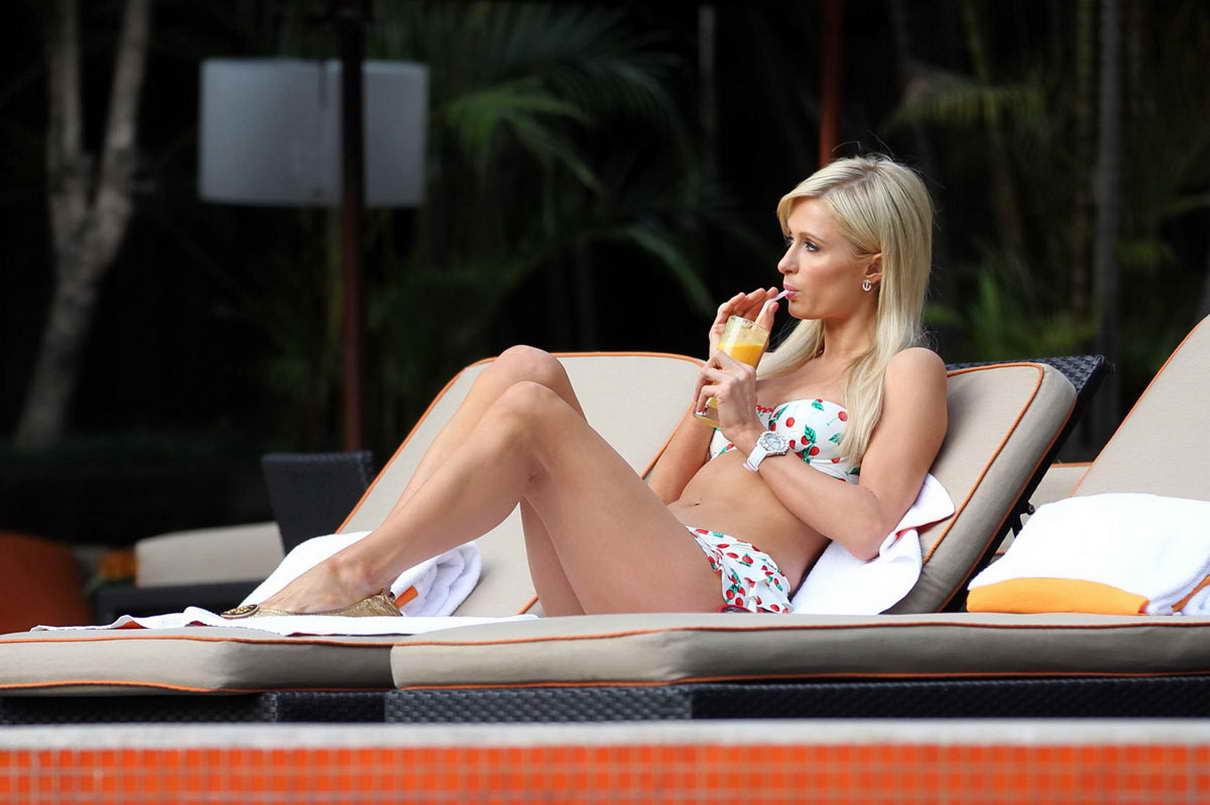 Paris hilton in a beautiful bikini at the pool in sao - Paris hilton pool ...