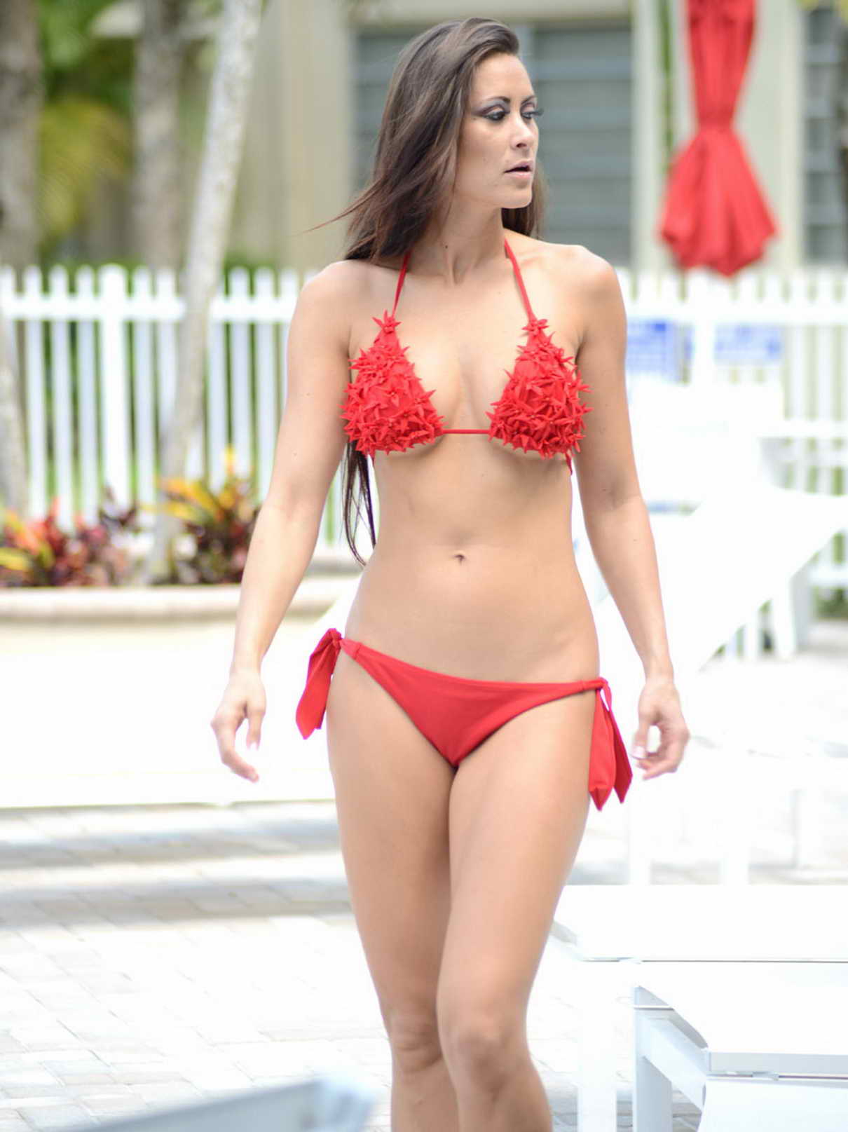 Anais Zanotti anais zanotti in red bikini in miami-1 – lacelebs.co