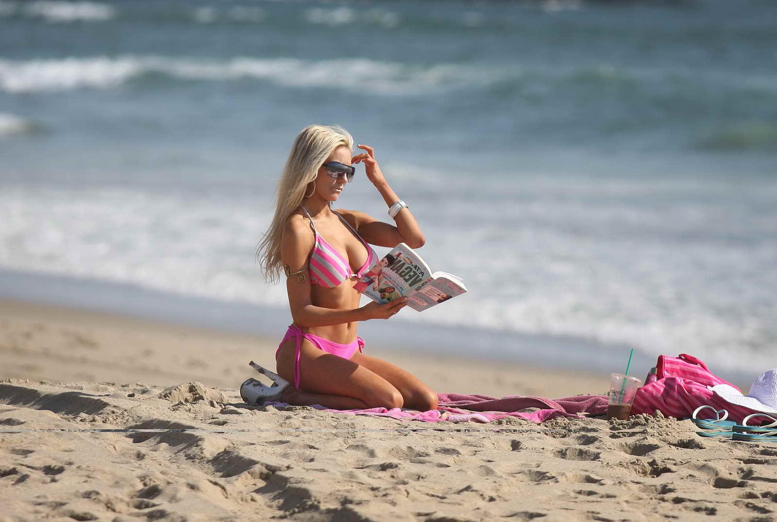 Courtney Stodden in Bikini on the beach in Malibu Pic 28 of 35