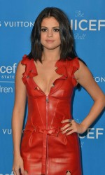 Selena Gomez at 6th Biennial UNICEF Ball in Beverly Hills 01/12/2016-3