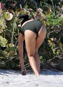 Zoë Kravitz at the Beach in Miami-4