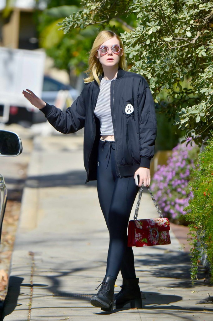 Elle Fanning Out in Studio City 02/09/2016-1