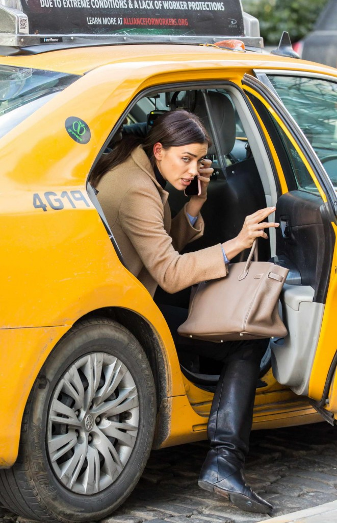 Irina Shayk Catching a Cab in New York 02/11/2016-1