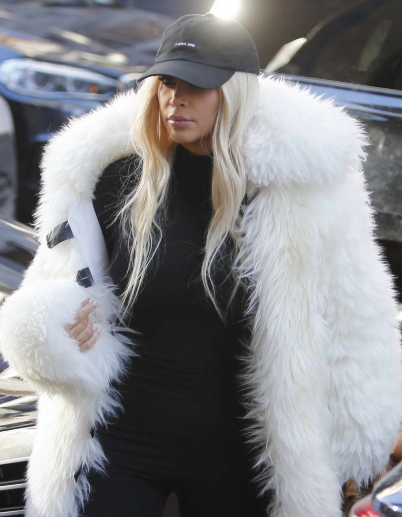 Kim Kardashian Leaves Cipriani Restaurant in New York City With Her Daughter 02/14/2016-1