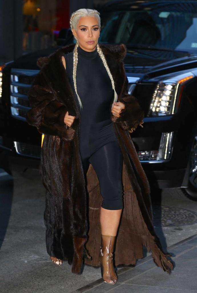 Kim Kardashian Out in New York City 02/13/2016-1
