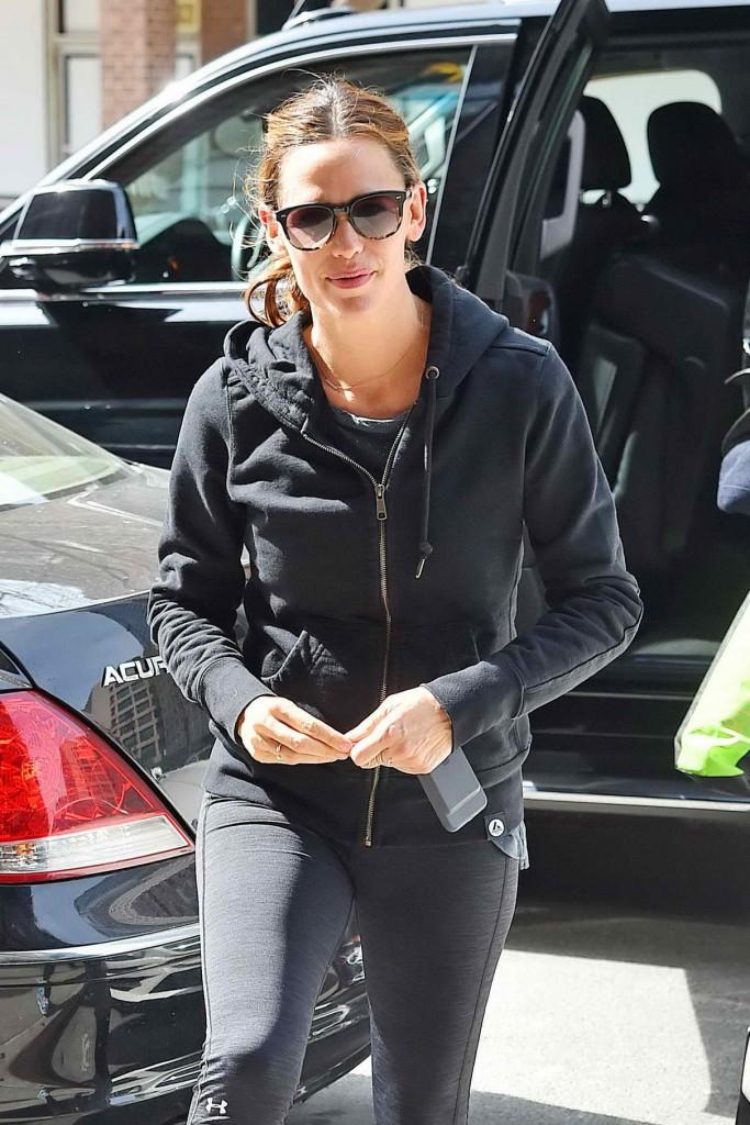 Jennifer Garner Leaving a Gym in Manhattan 03/16/2016-1