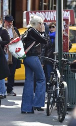 Miley Cyrus Out in SoHo 03/29/2016-5