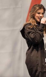 Hailee Steinfeld During H&M at Sundance Square Opening in Fort Worth 04/20/2016-5