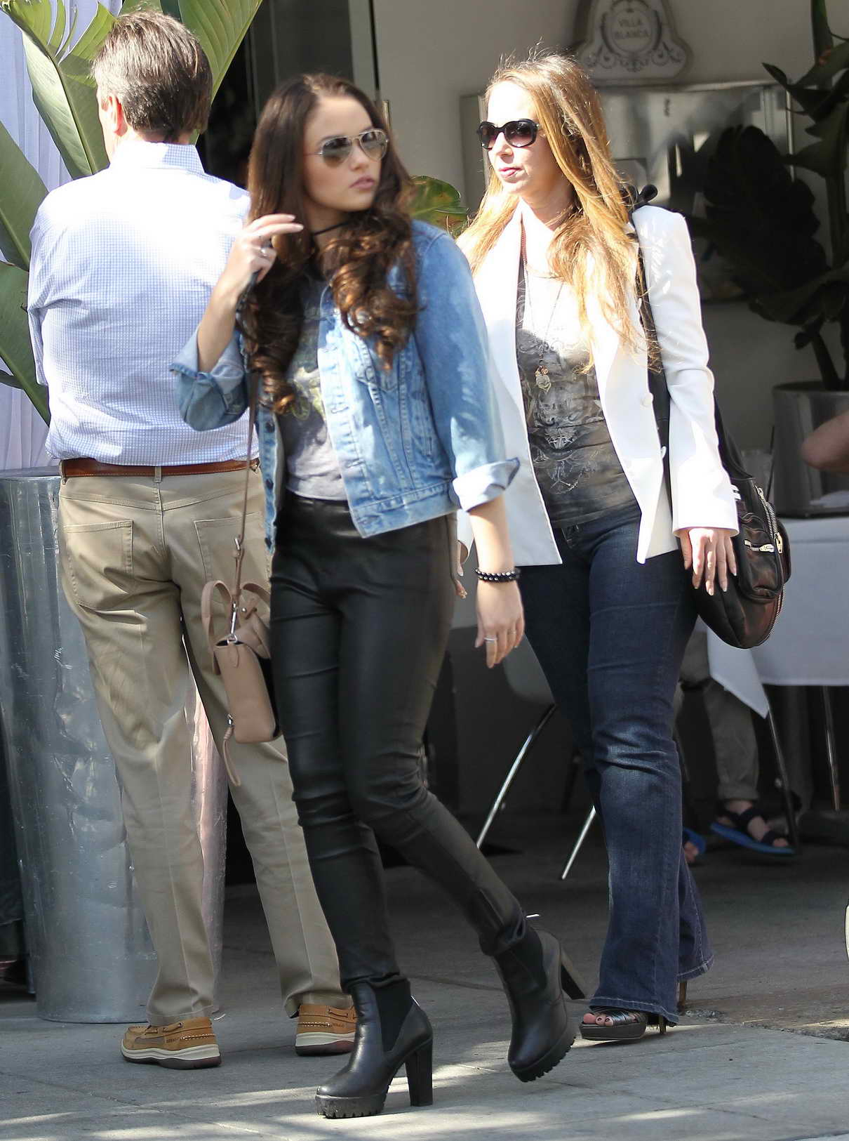Madison Pettis Shopping in Beverly Hills 04/01/2016-2