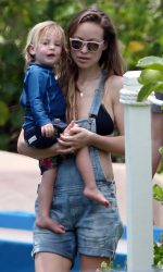 Olivia Wilde at the Beach in Hawaii 04/17/2016-3