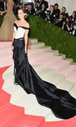 Emma Watson at the Costume Institute Gala in New York 05/02/2016-4