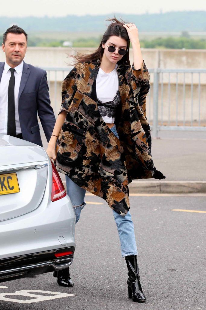Kendall Jenner Arrives at Heathrow Airport in London 05/27/2016-1