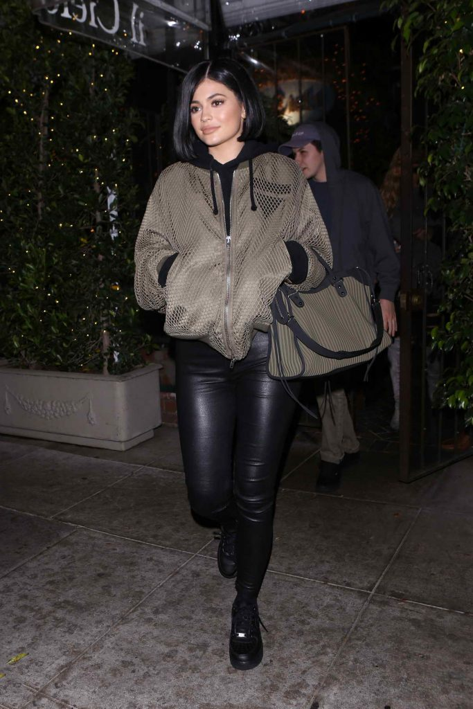 Kylie Jenner Arrives at Il Cielo in Los Angeles 05/06/2016-1