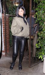 Kylie Jenner Arrives at Il Cielo in Los Angeles 05/06/2016-3
