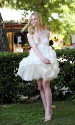 Elle Fanning at The Neon Demon Photocall in Rome 06/06/2016-4