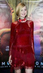 Elle Fanning Attends The Neon Demon Paris Premiere 06/03/2016-7