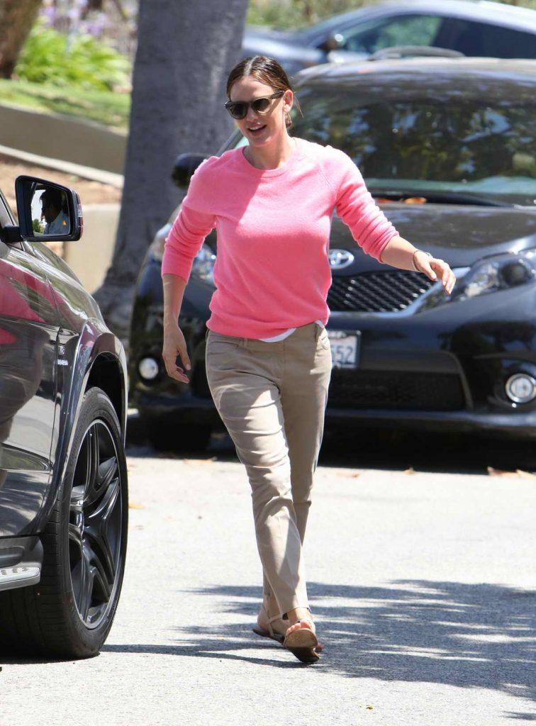Jennifer Garner Was Seen Out in Los Angeles 04/06/2016-1