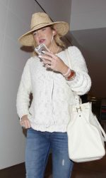 Kate Hudson Arrives at LAX Airport Los Angeles 05/31/2016-4