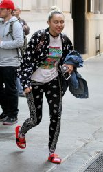 Miley Cyrus Leaves Woody Allen's Office in New York City 06/15/2016-3