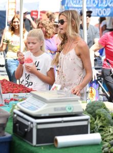 Denise Richards Was Seen at the Farmer's Market in Studio City 07/10/2016-2