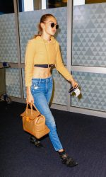 Gigi Hadid Arrives at JFK Airport in New York City 07/26/2016-4