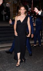 Jennifer Garner Arrives at amfAR Paris Dinner at Peninsula Hotel 07/03/2016-3