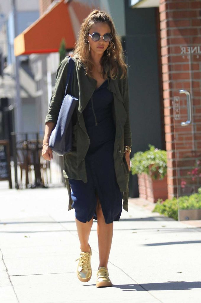 Jessica Alba Was Seen Out in Beverly Hills 07/27/2016-1
