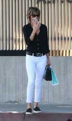 Lisa Rinna Was Seen Out in West Hollywood 07/13/2016-4
