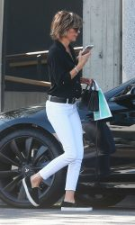 Lisa Rinna Was Seen Out in West Hollywood 07/13/2016-5