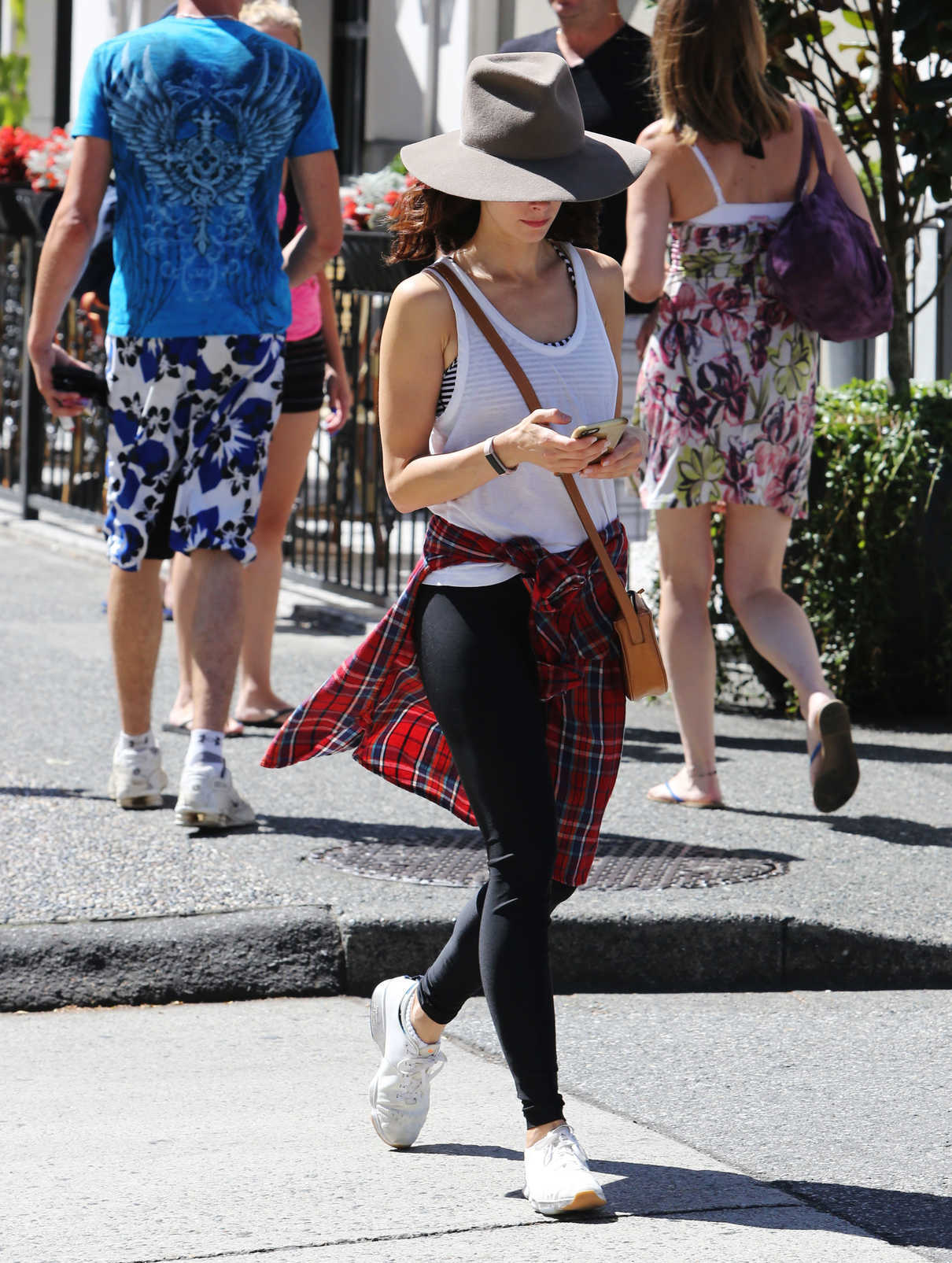 Abigail Spencer Was Seen Out in Vancouver 08/19/2016-2