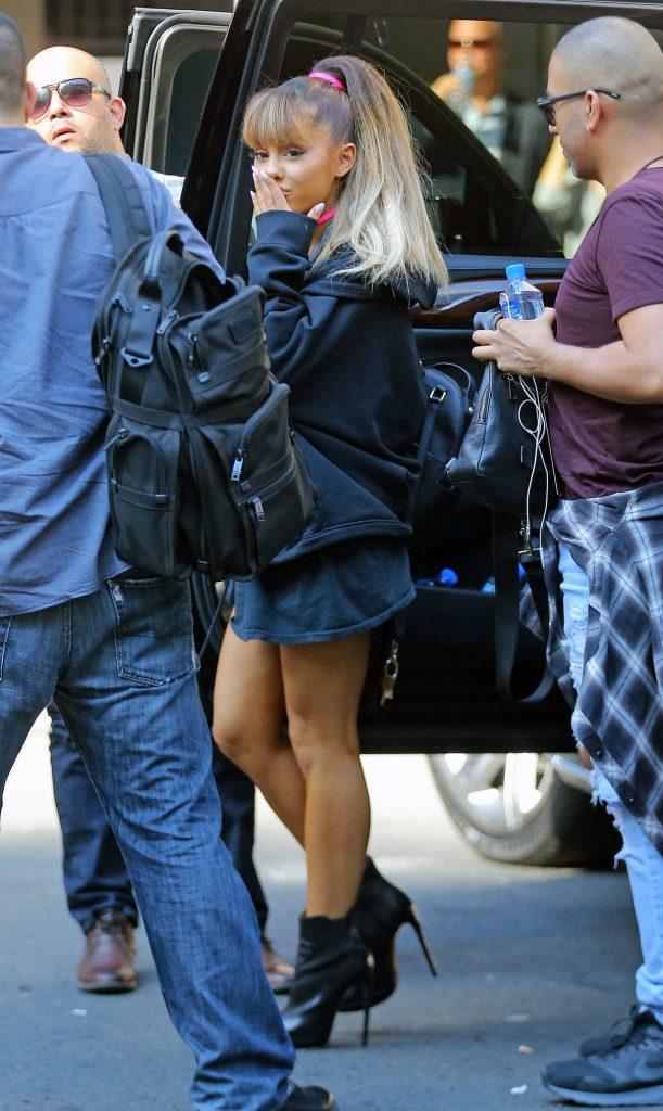 Ariana Grande Walks Into Madison Square Garden in New York City 08/26/2016-1