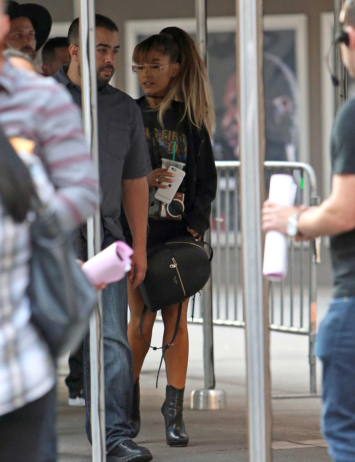 Ariana Grande Walks Into Madison Square Garden in New York City 08