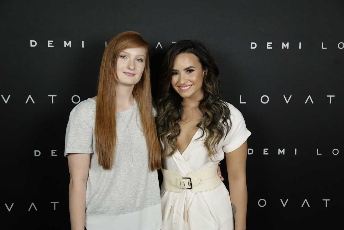 Demi Lovato At The Meet And Greet In Edmonton 08262016 5 Lacelebs