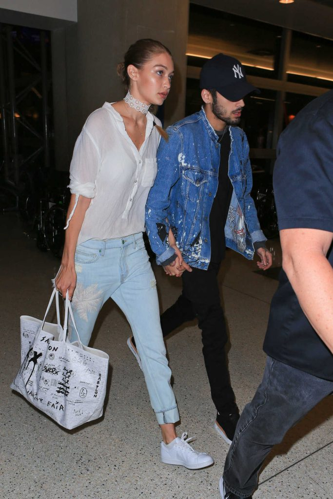 Gigi Hadid Arrives at LAX Airport in Los Angeles 08/12/2016-1