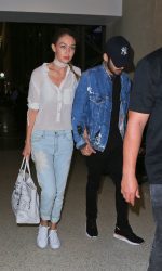 Gigi Hadid Arrives at LAX Airport in Los Angeles 08/12/2016-2