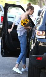 Gigi Hadid Was Seen Out in Los Angeles 08/10/2016-5