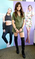 Hailee Steinfeld at the Cotton Inc Find Your Favorite Event at Glendale Galleria in California 08/27/2016-3
