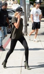 Hailey Baldwin Visits Urth Cafe in Beverly Hills 08/18/2016-2