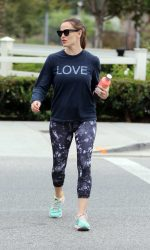 Jennifer Garner Hits the Gym in Brentwood 08/06/2016-5