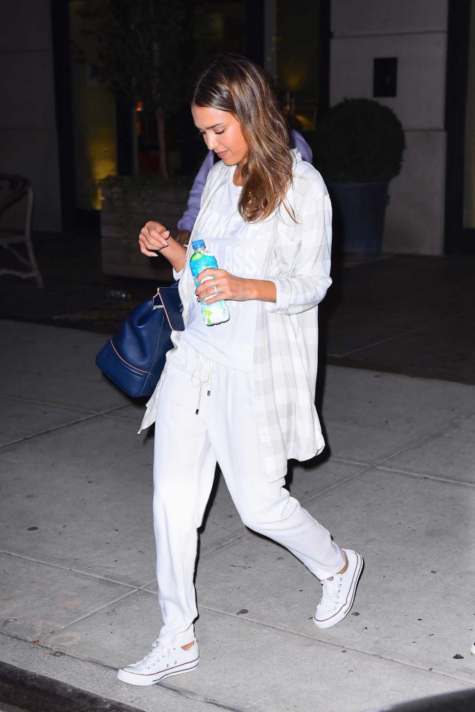 Jessica Alba Leaves Her Hotel in New York 08/26/2016-1