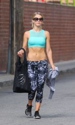 Julianne Hough Leaves the Gym in Los Angeles 08/10/2016-2