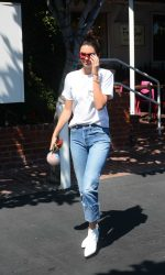 Kendall Jenner Leaves Fred Segal in Los Angeles 08/22/2016-2