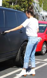 Kendall Jenner Leaves Fred Segal in Los Angeles 08/22/2016-5