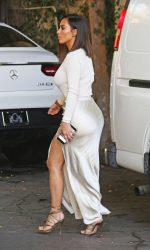 Kim Kardashian Leaves the Villa Restaurant in Woodland Hills 08/05/2016-6