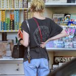 Emma Roberts Has a Some Breakfast at the Larchmont Village in Los Angeles 09/21/2016-5