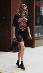 Gigi Hadid Leaves Her Apartment in New York City 09/06/2016-2