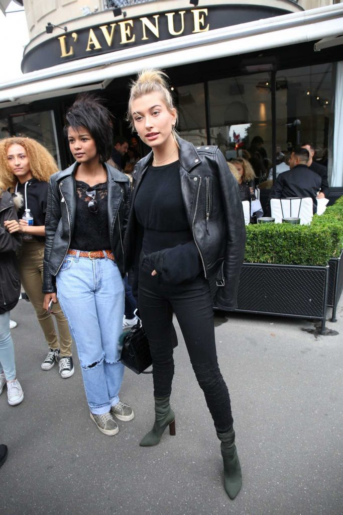 Hailey Baldwin Leaves l'Avenue Restaurant in Paris 09/20/2016-1
