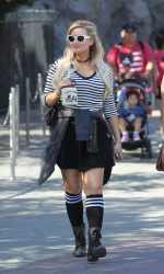 Holly Madison Was Seen Out in Anaheim 09/08/2016-2
