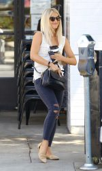 Julianne Hough Leaves the Third Cafe in Studio City 09/02/2016-3