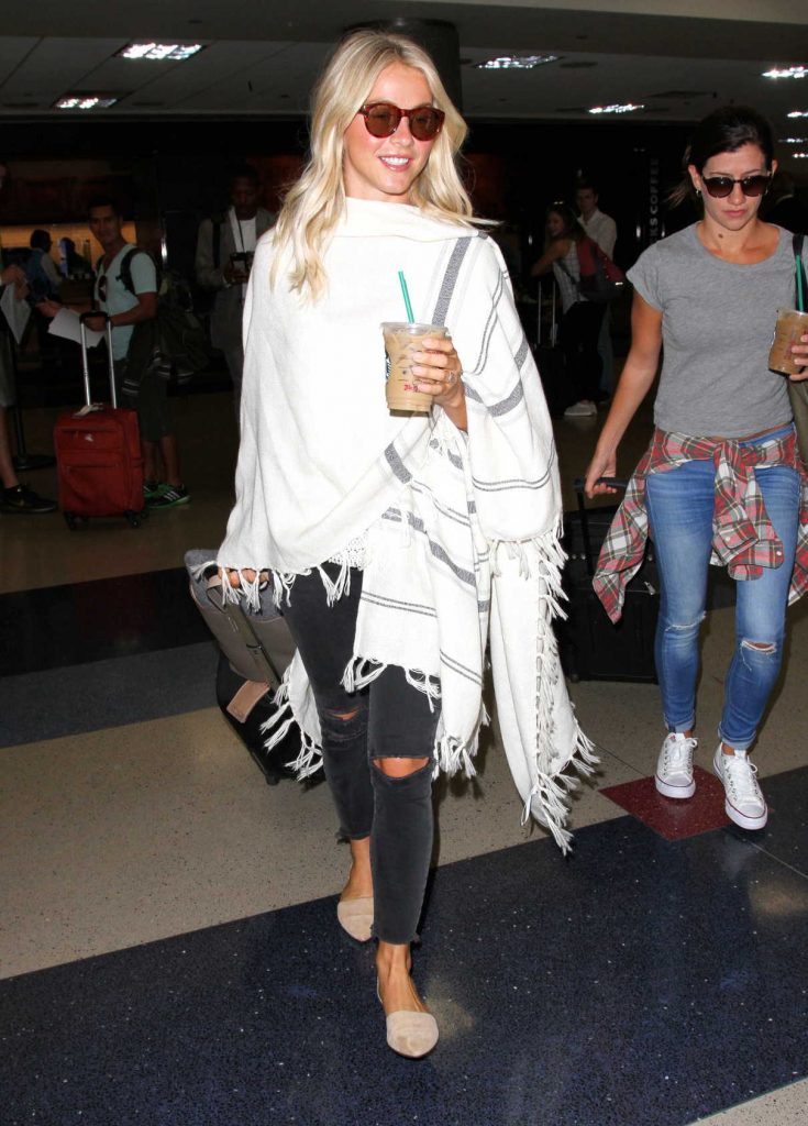Julianne Hough Was Seen at LAX Airport in Los Angeles 09/08/2016-1